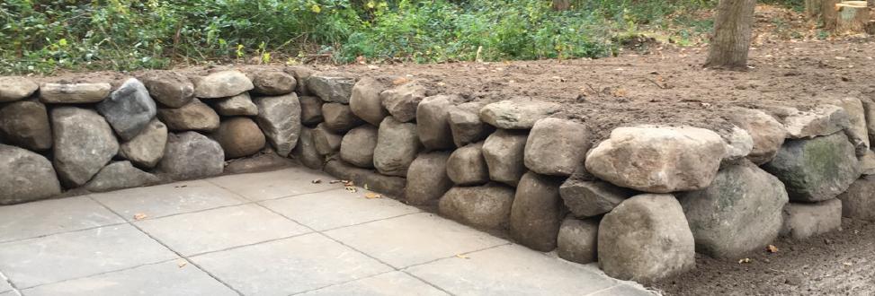Støttemur Holbæk, Odsherred, væg af store sten